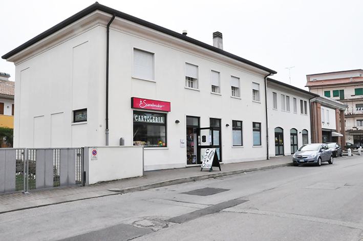 Ufficio/Negozio indipendente al piano terra a Bassano del Grappa (VI)