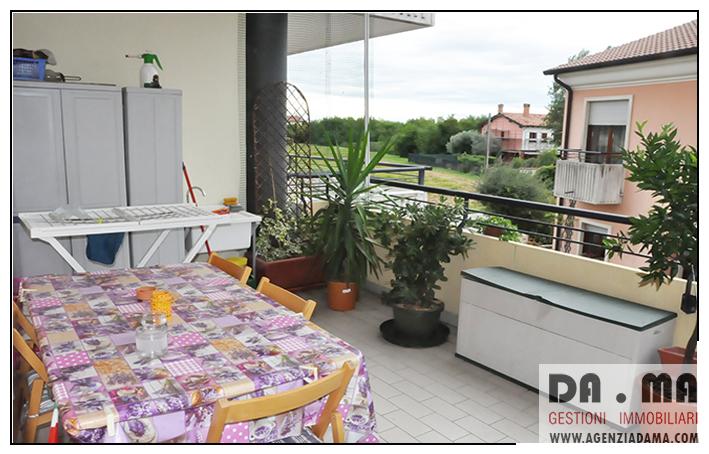 Bicamere recente con terrazzo abitabile e grande garage a Bassano (VI) Zona S.Vito