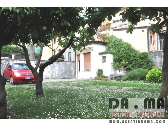 Bicamere con soffitta sovrastante e giardino in centro a Marostica (VI)
