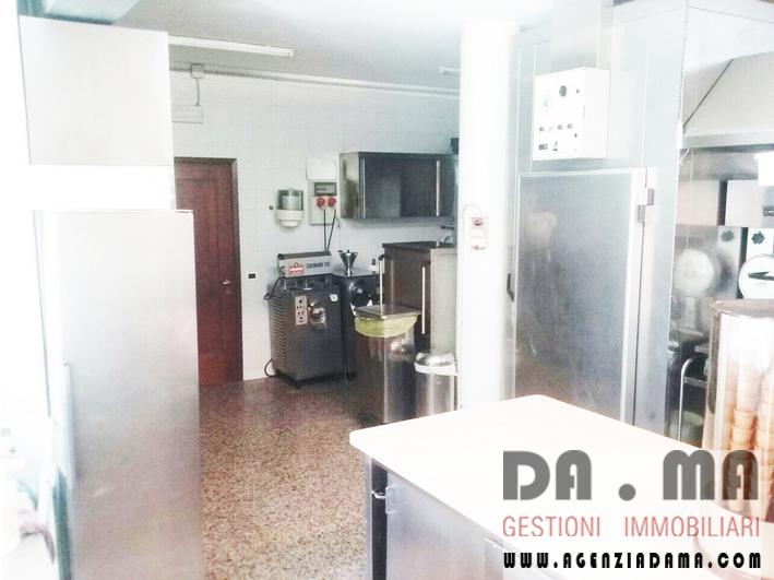 Locale commerciale con laboratorio ex pasticceria a Marostica (VI)