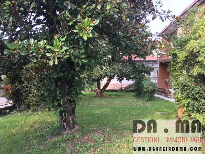 Palazzetto composto da 4 appartamenti in Castelfranco (TV) Zona Scuole
