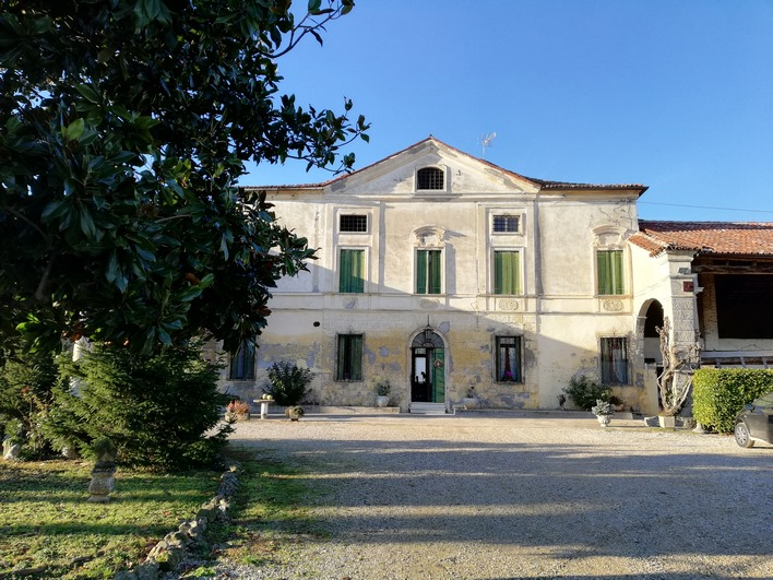 Elegante Villa Storica a Costabissara (VI)