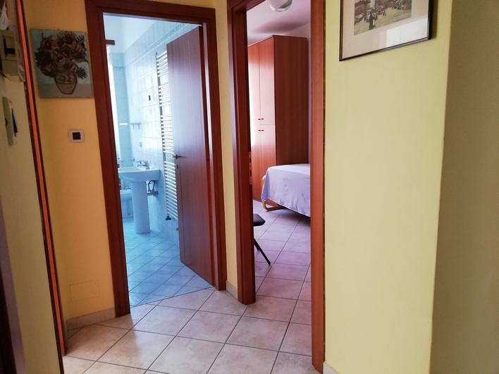 Bicamere ristrutturato laterale Corso Padova (VI)