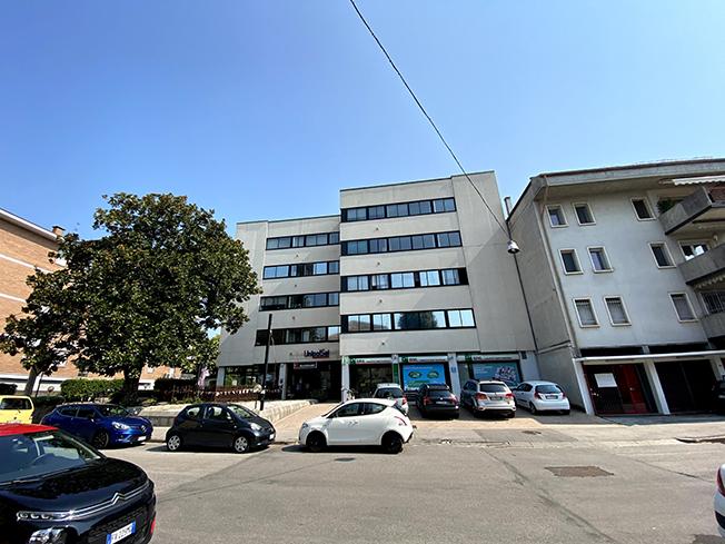 Uffici di mq.180 in contesto solo direzionale/commerciale a Vicenza (VI)